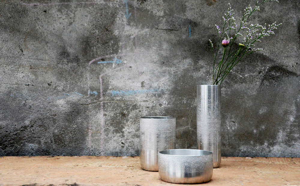 2.Scenery_Pure-Tin-Vase-and-Container_01