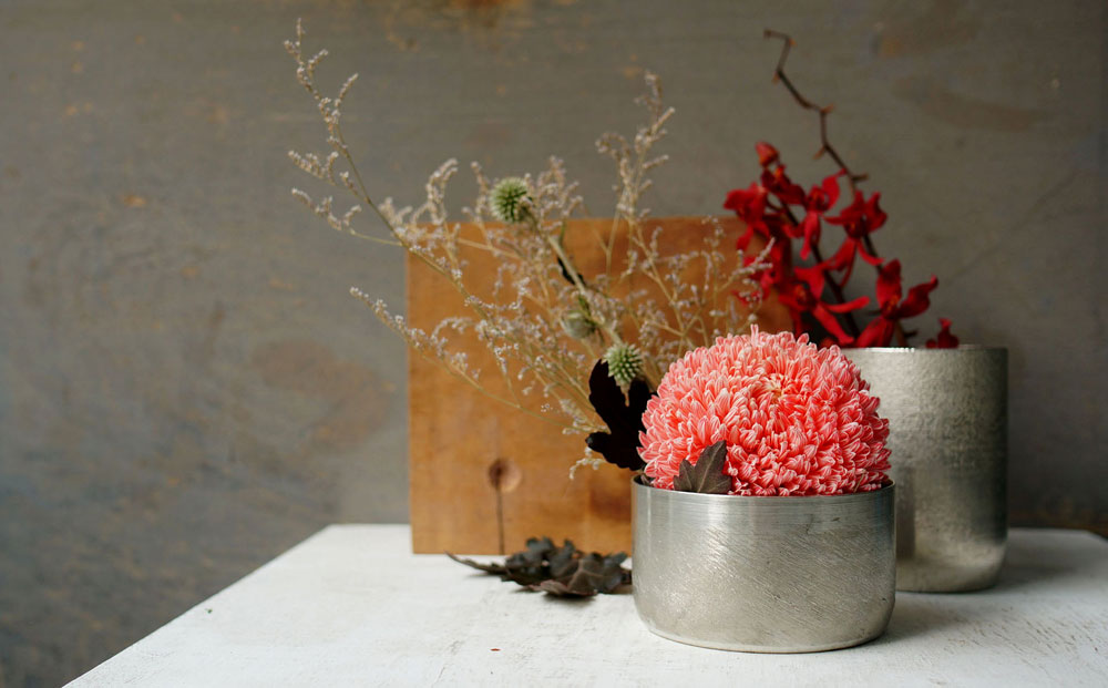 2.Scenery_Pure-Tin-Vase-and-Container_02